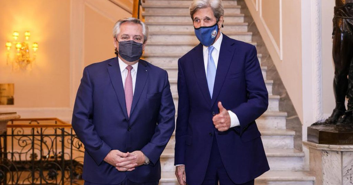"""Alberto Fernandez met John Kerry and Venezuela brought up the topic: """"He asked me for my opinion and I gave it to him."""""""