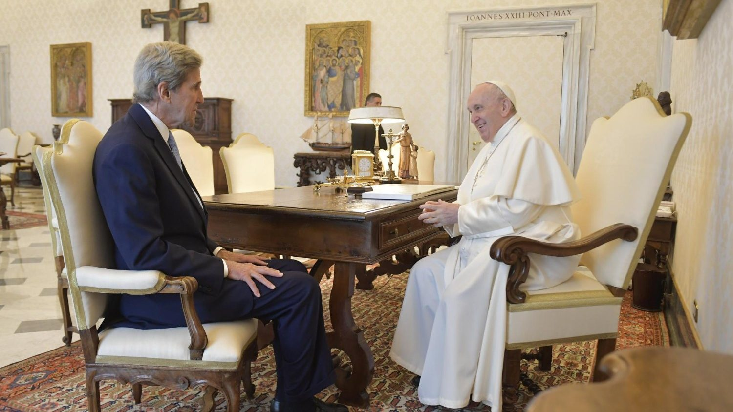 Kerry: The climate crisis The Pope's vote is more important than ever