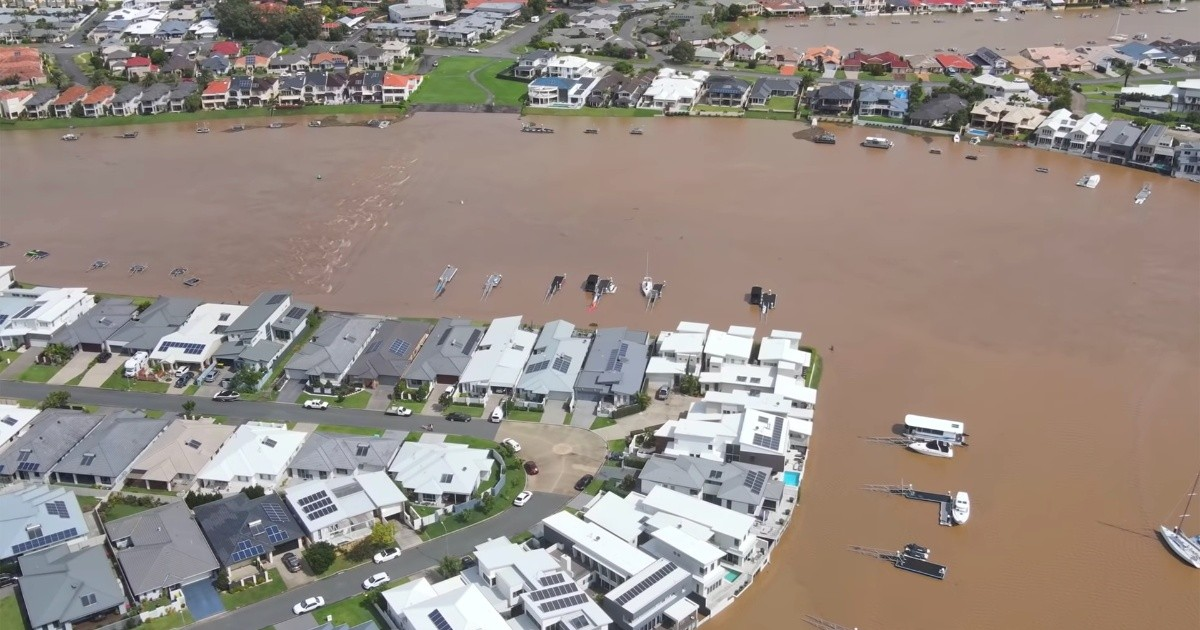 Australia has its worst floods in 50 years;  Thousands evacuated