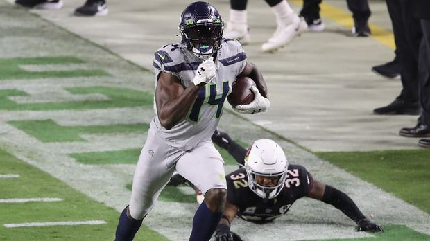 DK Metcalfe to the Olympics?  The Seahawks star competes against runners
