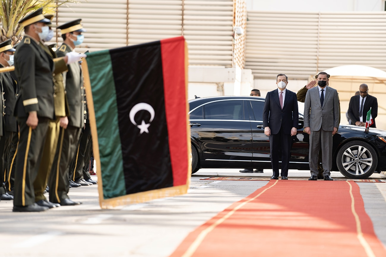 So Italy gives priority to Libya (with the United States)