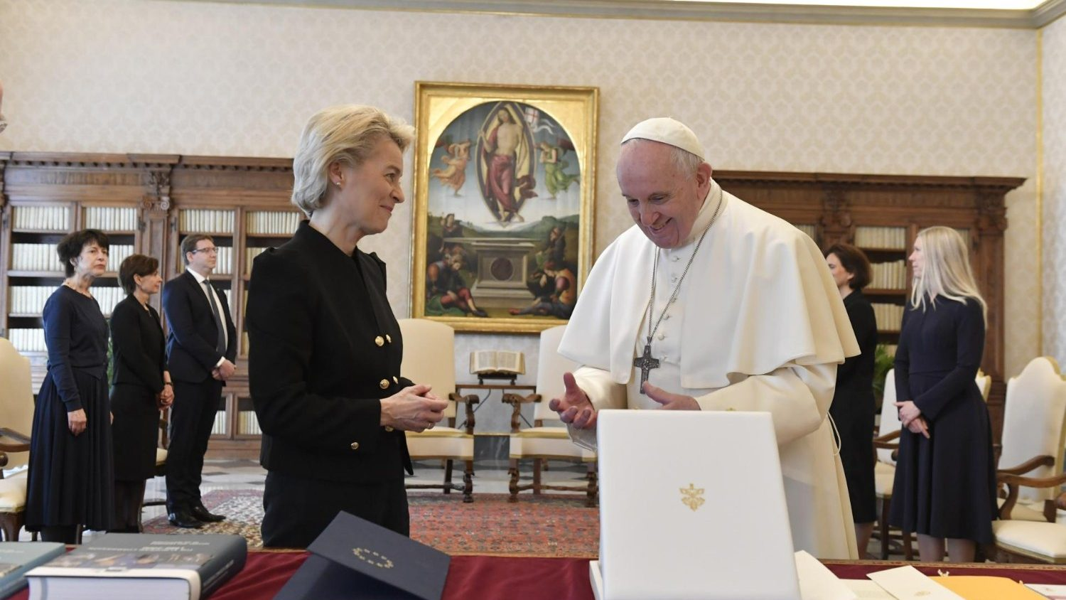 Von der Lein meets the Pope: good cooperation with the Holy See is based on the same values - Vatican News