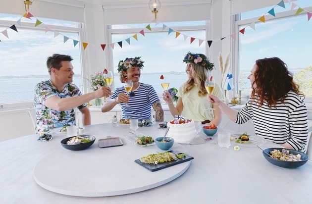"""▷ """"Happy with Finns"""": a virtual summer trip through the happiest country in the world"""