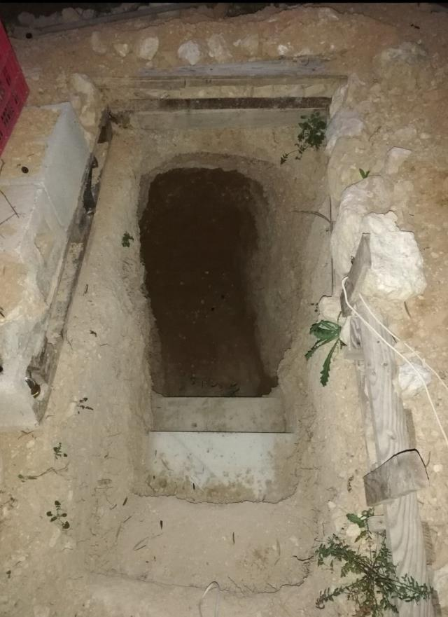 Angered by his family, the young man dug a house underground for 6 years.