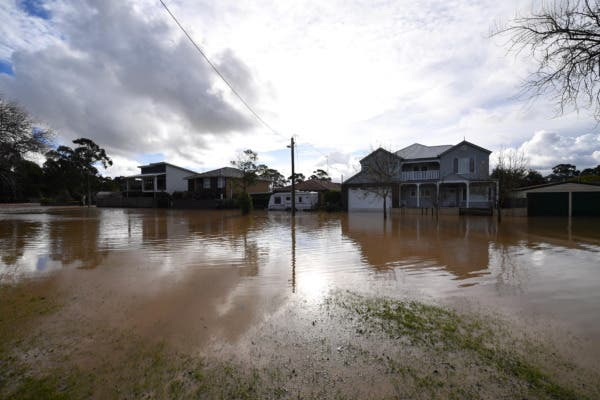 Heavy winds and rain cause flooding in Australia