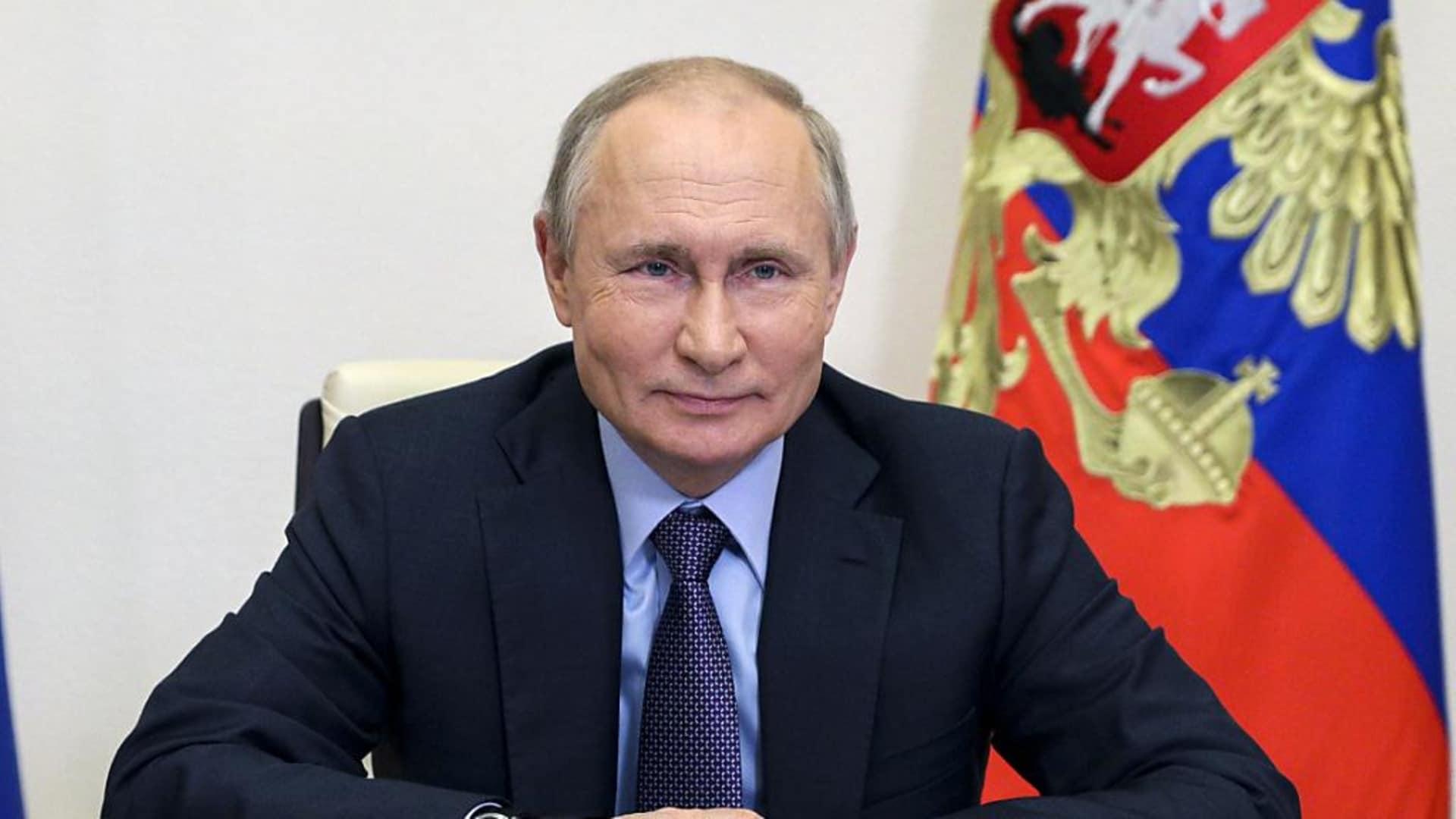 CF: Parmelin and Putin meet, white smoke