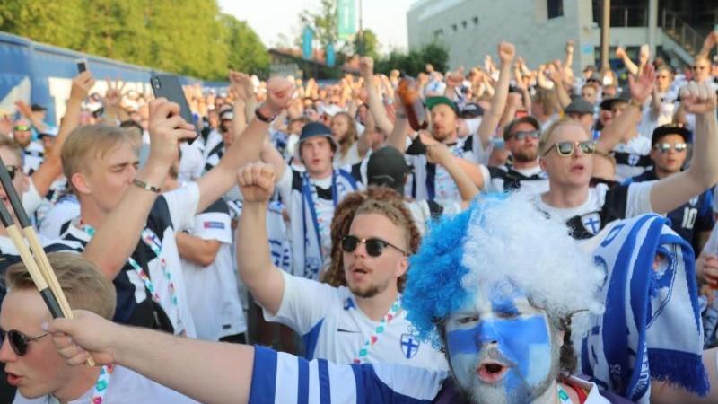 Football – a small chance, a big joy: Finland celebrate despite defeat – sport