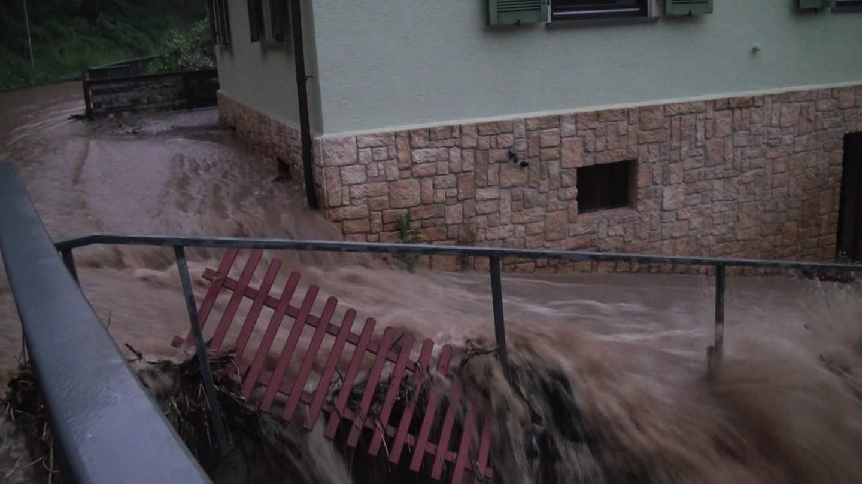Heavy rain floods communities in Bad Kreuznach – SWR Aktuell