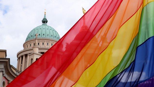 LGBTIQ funding in Brandenburg: Better support for transgender people – Potsdam