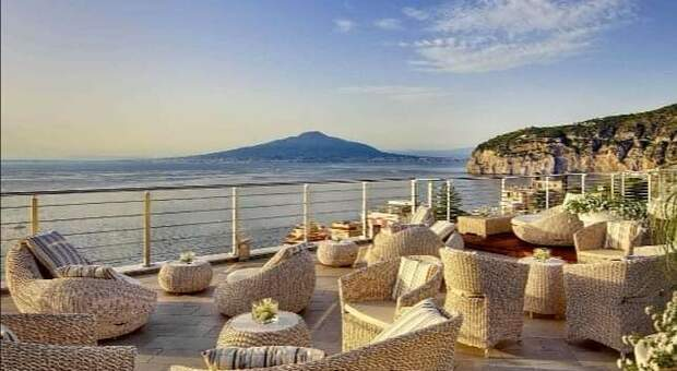 Sorrento, Live Music on the Picturesque Terrace: Start on Sundays with Barbara Tucker