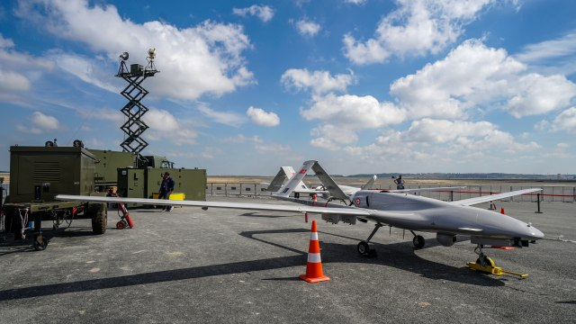 Turkish drone successfully neutralizes Russian air defense with video