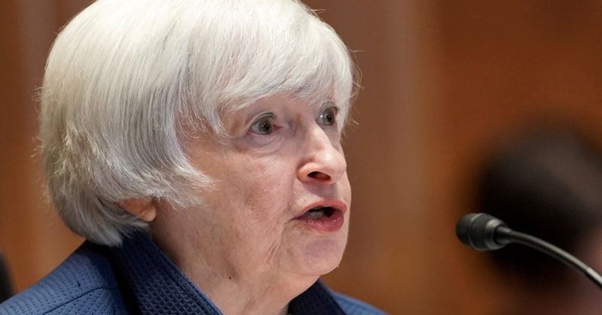 Yellen says that without raising the debt limit, the US could risk default in August