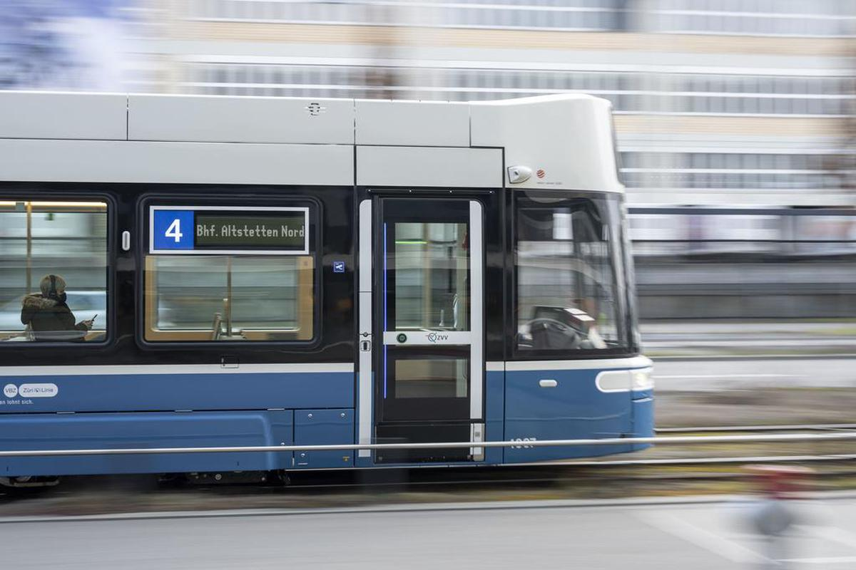 Rules of Life – Don't ride the old tram in summer