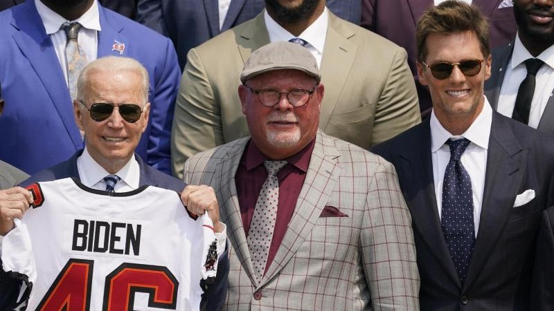 American Football – Biden receives the Tampa Bay Pirates at the White House – Sports