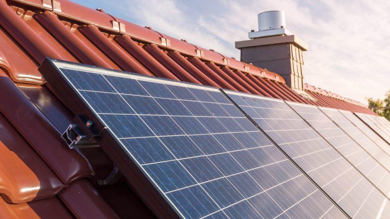 solarni panel krov