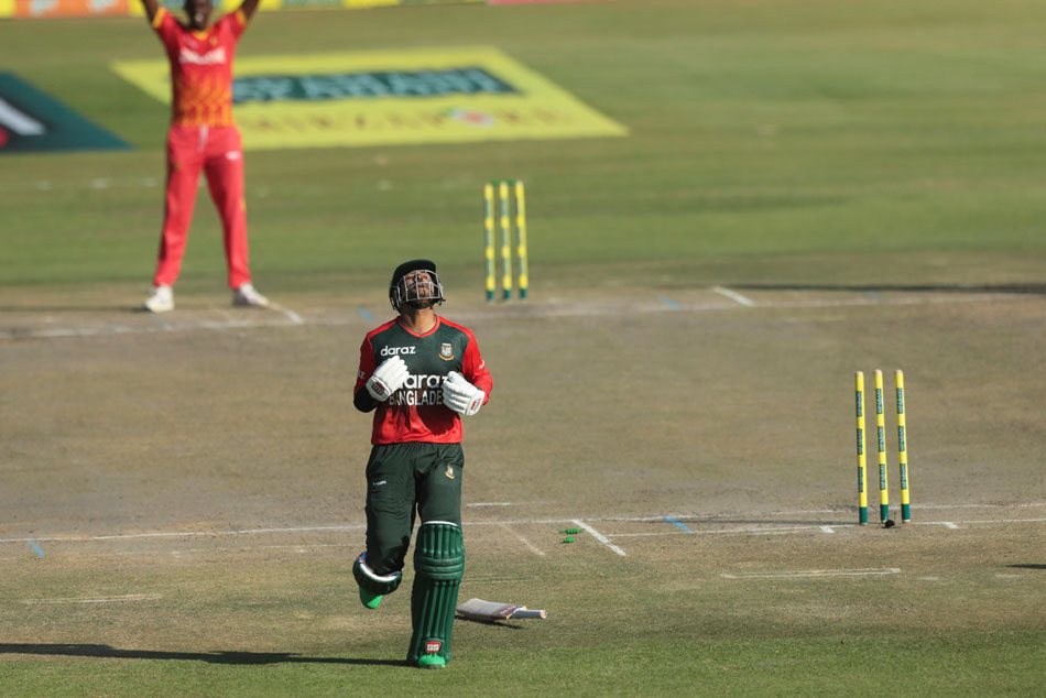 ZIM vs BAN: Ghost picks the wicket in a T20 cricket match, here is the video