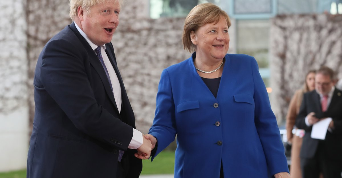 Angela Merkel meets Boris Johnson on her last official trip to the UK