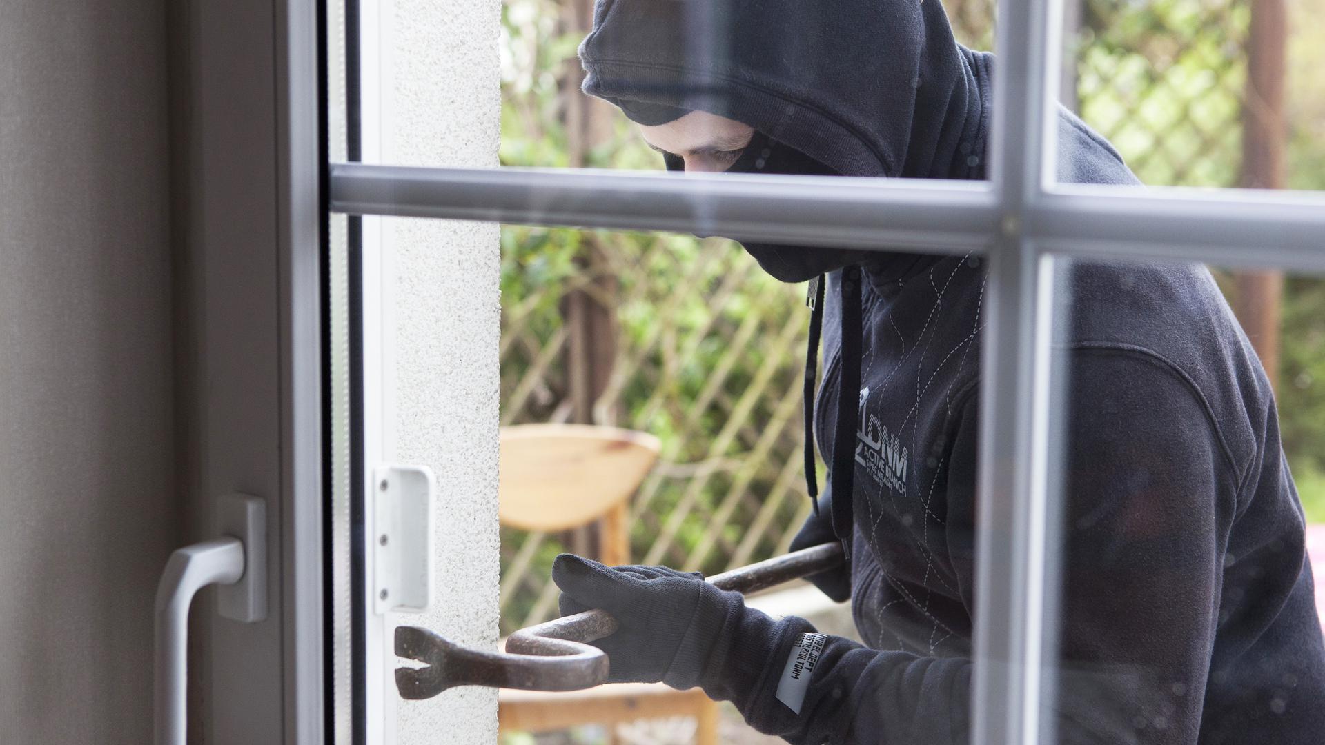burglary image