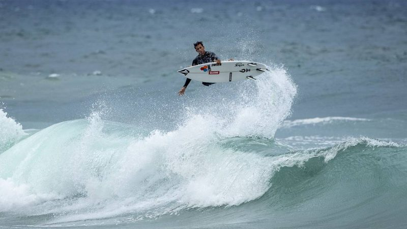 This is how surfing competitions work