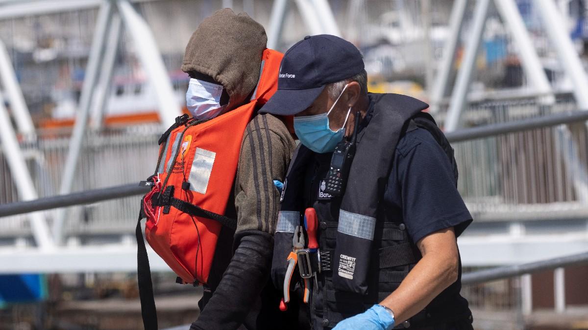 UK tightens sanctions against illegal immigrants