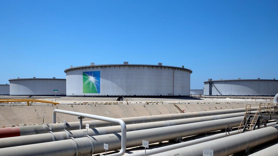 Saudi Aramco issues first dollar Islamic bond