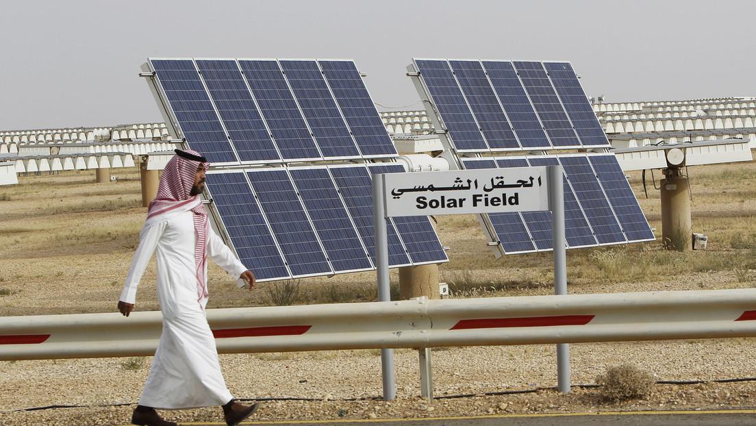 Saudi Aramco joins $1 billion project to build solar power plant