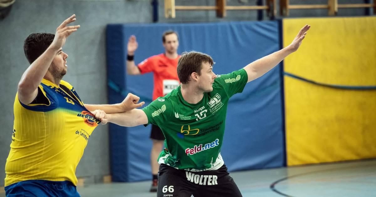 American international Antoine Baup makes handball players taller