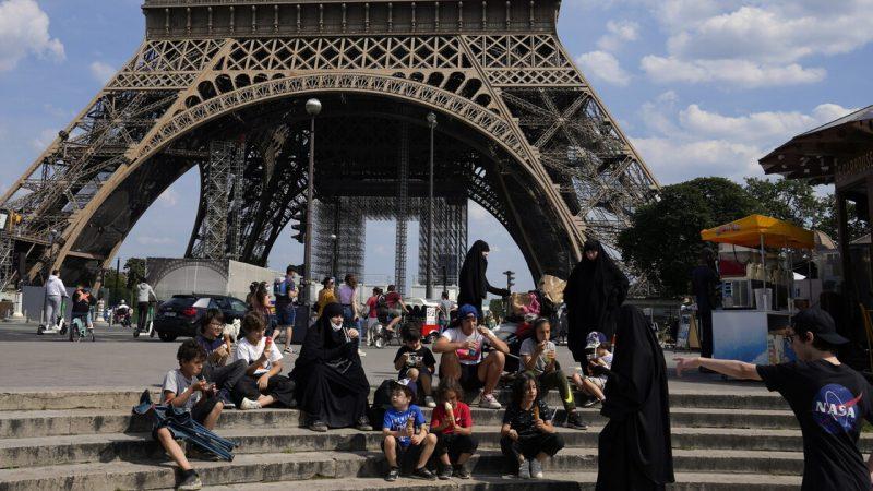 'Emily in Paris' unleashes the Netflix effect: Tourists flock to Paris