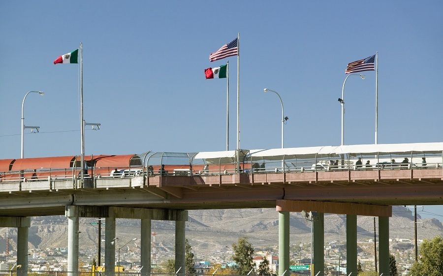 Prolonging the closure of the border between Mexico and the United States will leave an economic loss
