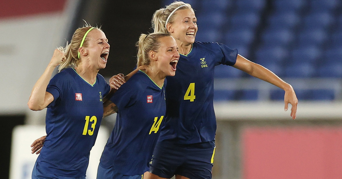 Sweden beat Australia and will face Canada in the final