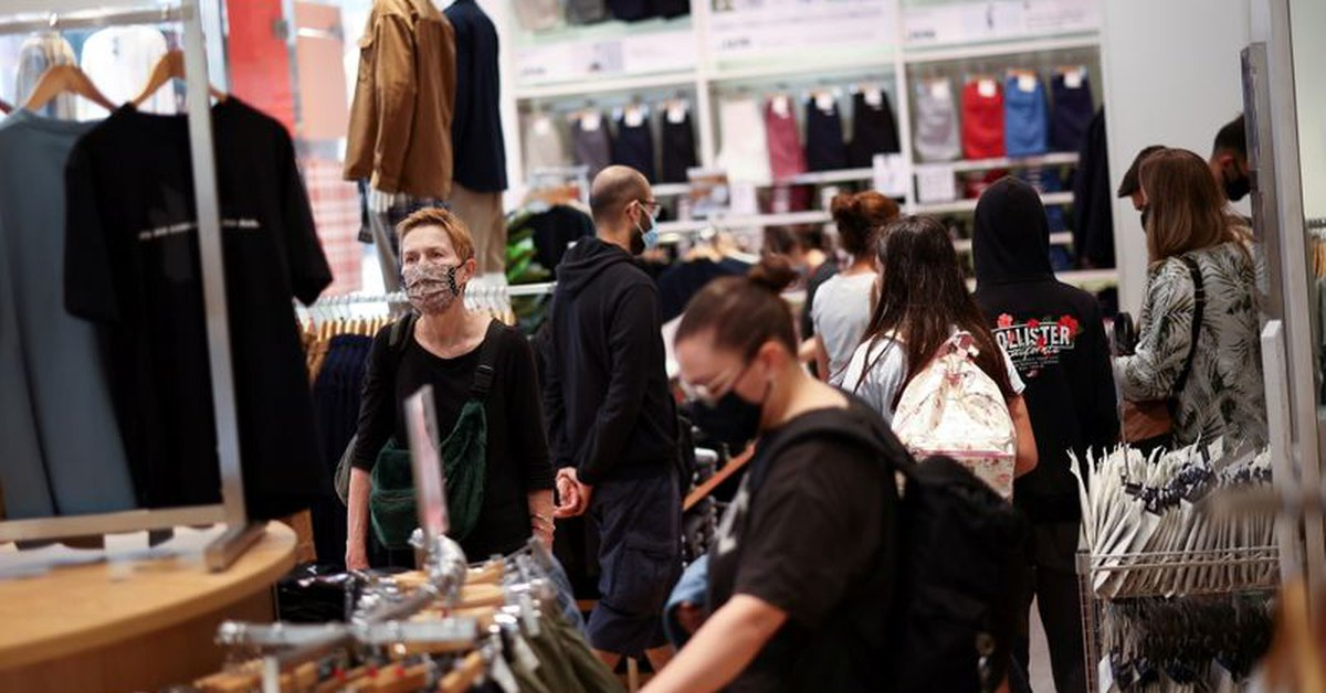 UK retail sales unexpectedly fell in July