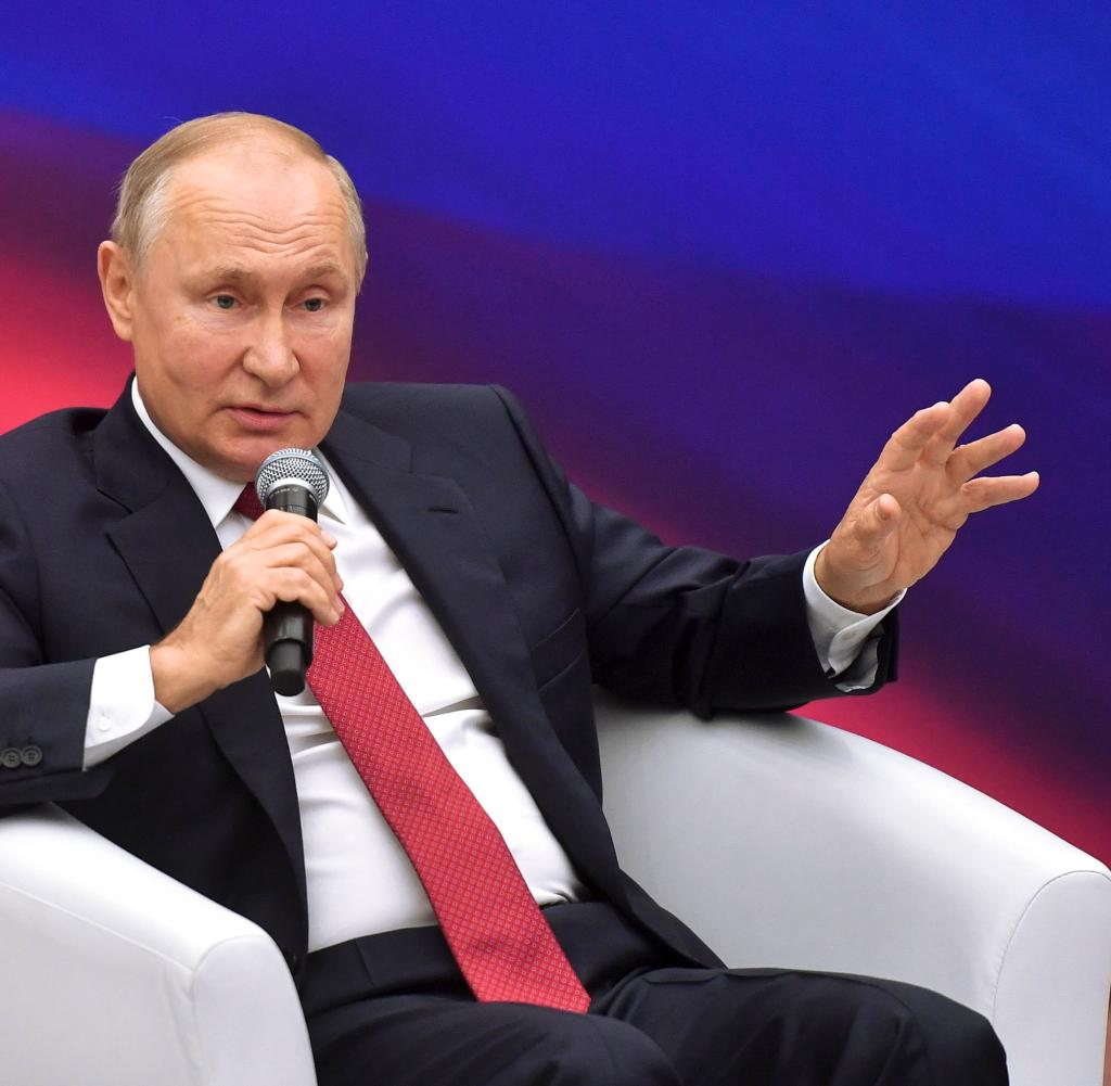 President Vladimir Putin addresses members of United Russia in Moscow