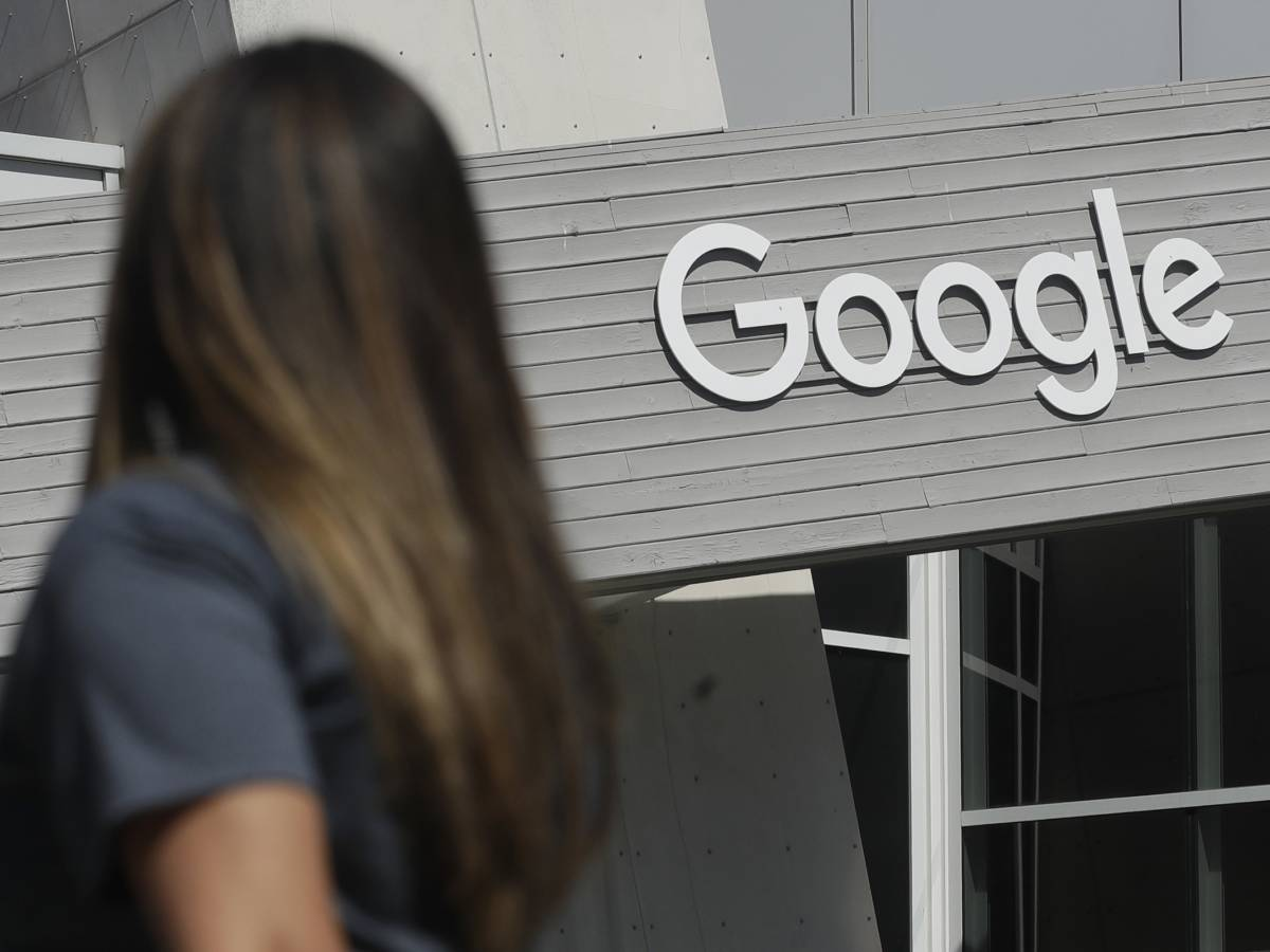 Google buys a house in the Big Apple