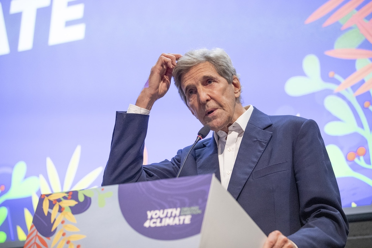 John Kerry, Clima