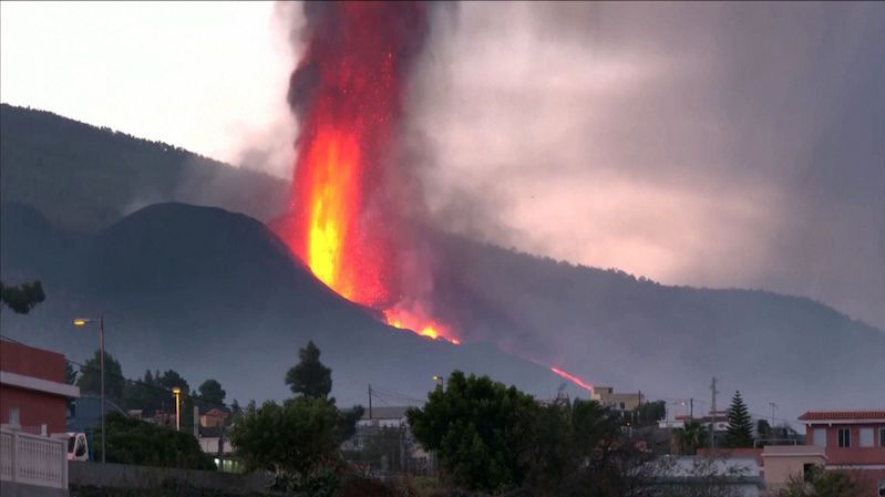 La Palma volcano fuels a hot spot.  Experts say he's looking for a way out