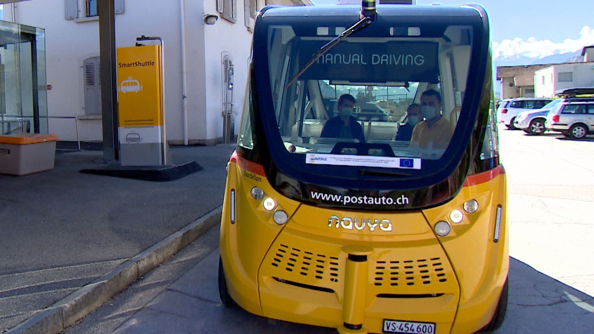 Switzerland pushes ahead with self-driving buses