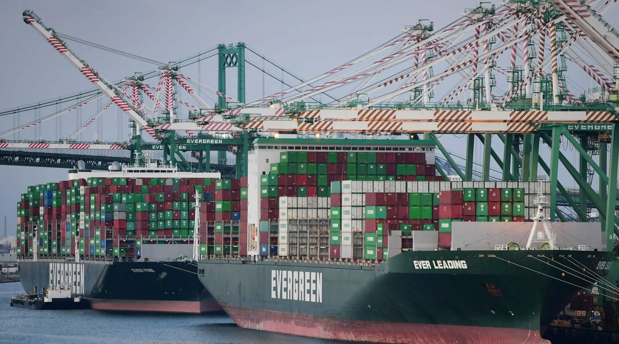 To reduce congestion at ports, White House pushes to work nights and weekends