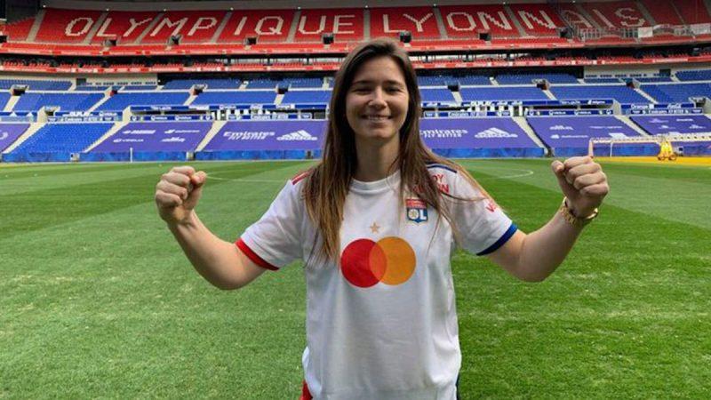 Damaris Egurrola con el Olympique de Lyon.